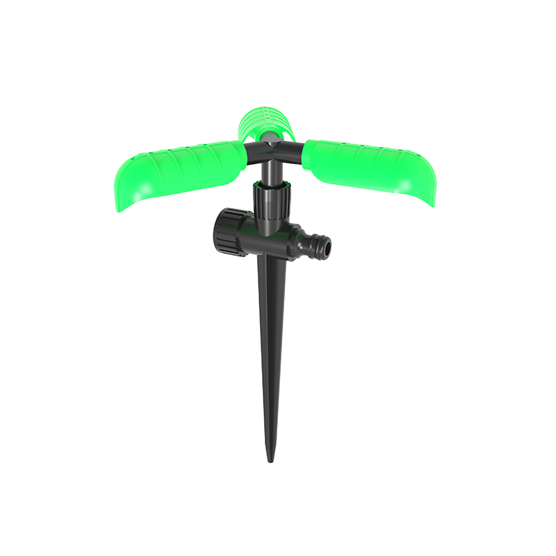 TS1051  Plastic Garden Three leaves sprinkler